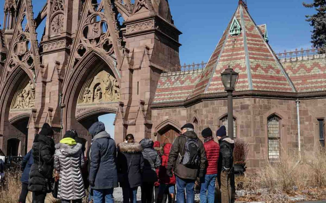 City Explorations: Bracing the cold to tour Greenwood Cemetery